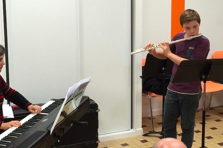 Nicolas à la flûte traversière